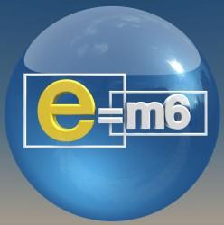 Tournage d'illustrations Pour l'emission E=M6 diffusée le 30 mai déguisé en superman place de la bastille à Paris.